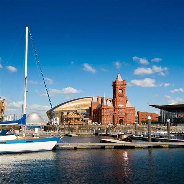 Hotels On Cardiff Bay: Cardiff & The Royal Mint